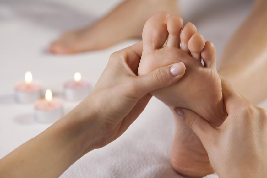 Pressions réflexes sur les pieds